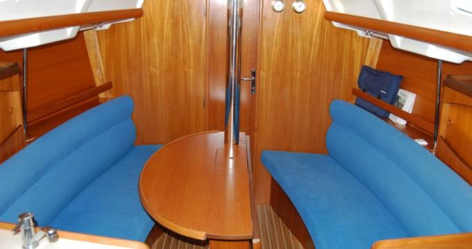 Alquiler de barcos Jeanneau Sun Odyssey 32.2 enFrioul Islands en Samboat
