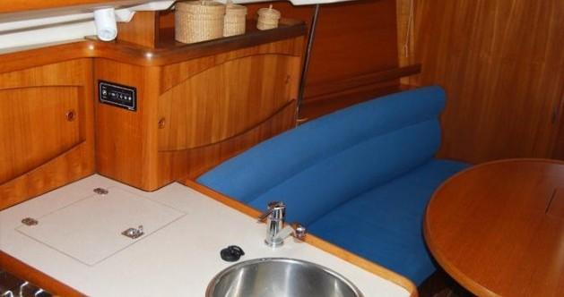 Jeanneau Sun Odyssey 32.2 entre particulares y profesional Frioul Islands