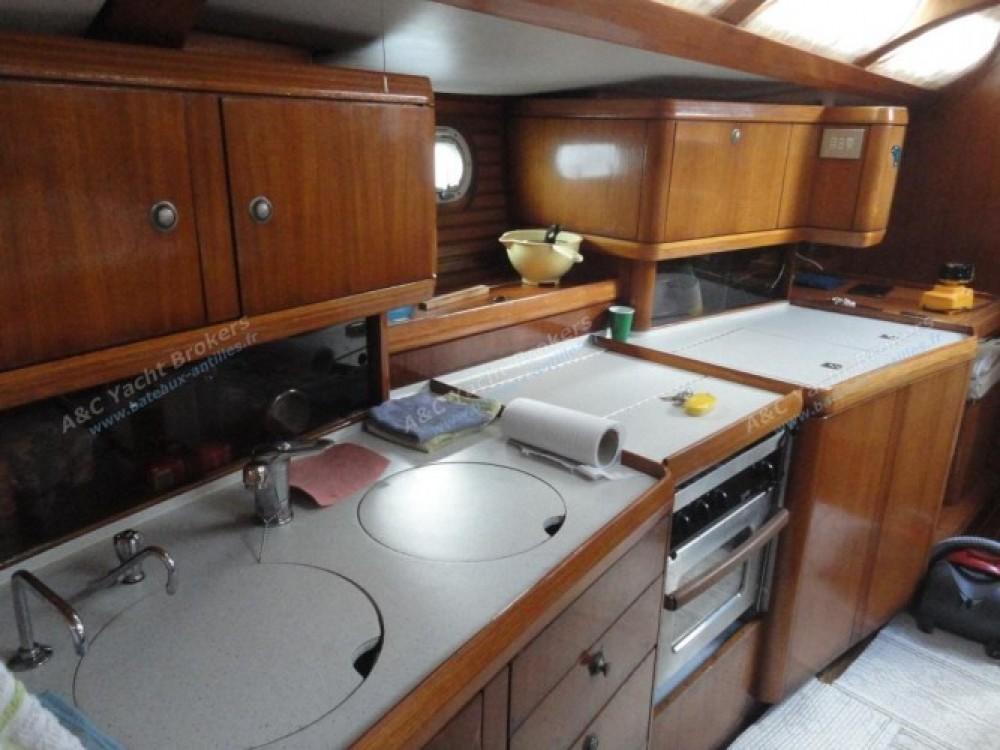 Alquiler de barcos Marina du Marin barato de Sun Odyssey 47
