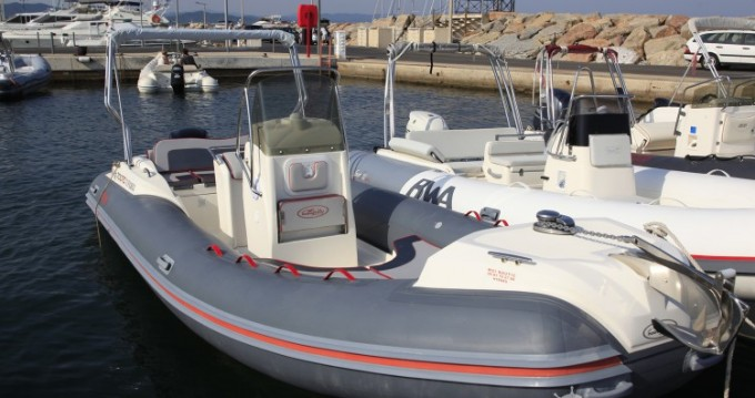 Alquiler de barcos Hyères barato de Nuova Jolly 700 RS