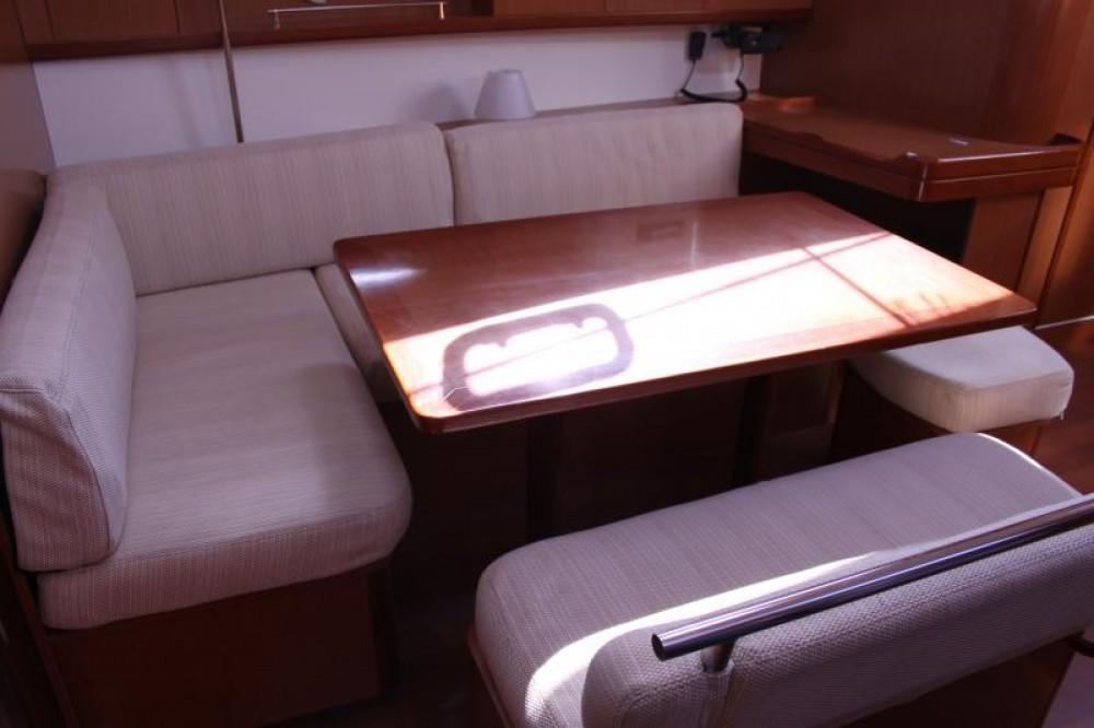 Alquiler de yate Ajaccio - Bénéteau Oceanis 43 en SamBoat