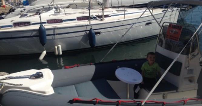 Alquiler de Joker Boat Coaster 650 en Hyères