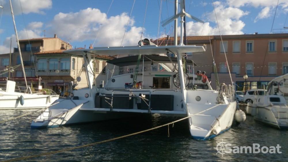 Alquiler Catamarán Chantier-Du-Lez con título de navegación