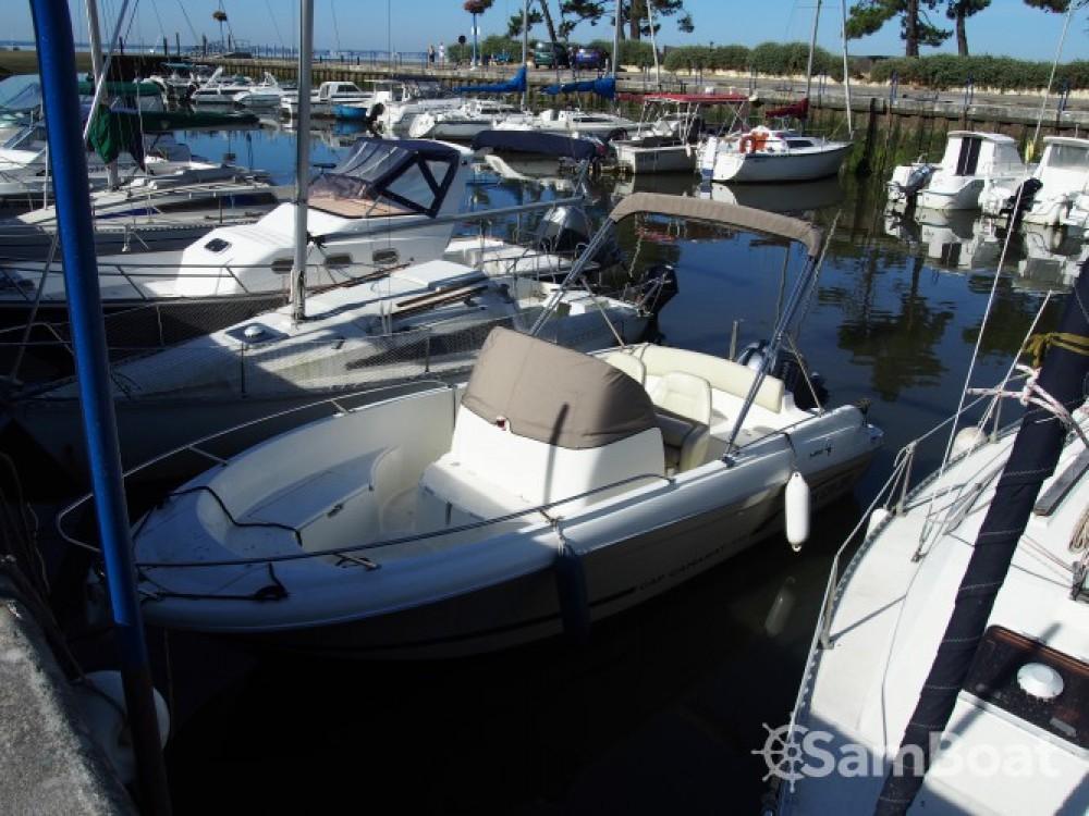 Alquiler de barcos Andernos-les-Bains barato de Cap Camarat 635 Style
