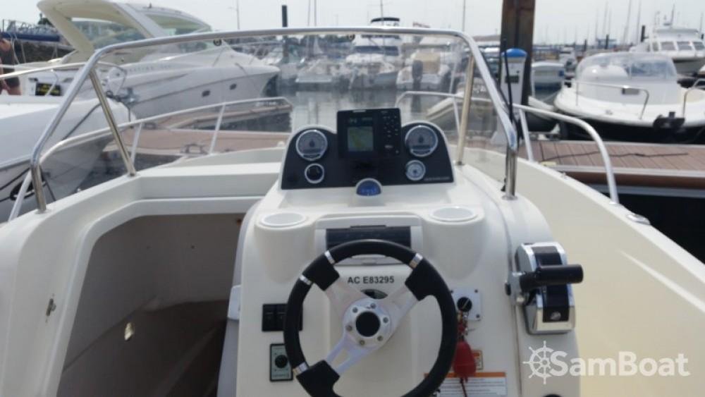 Alquiler de barcos Parentis-en-Born barato de Activ 675 Open