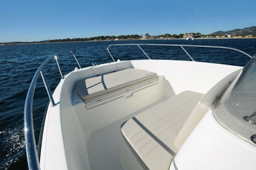 Alquiler de barcos Marsella barato de Quicksilver 675 Activ Open