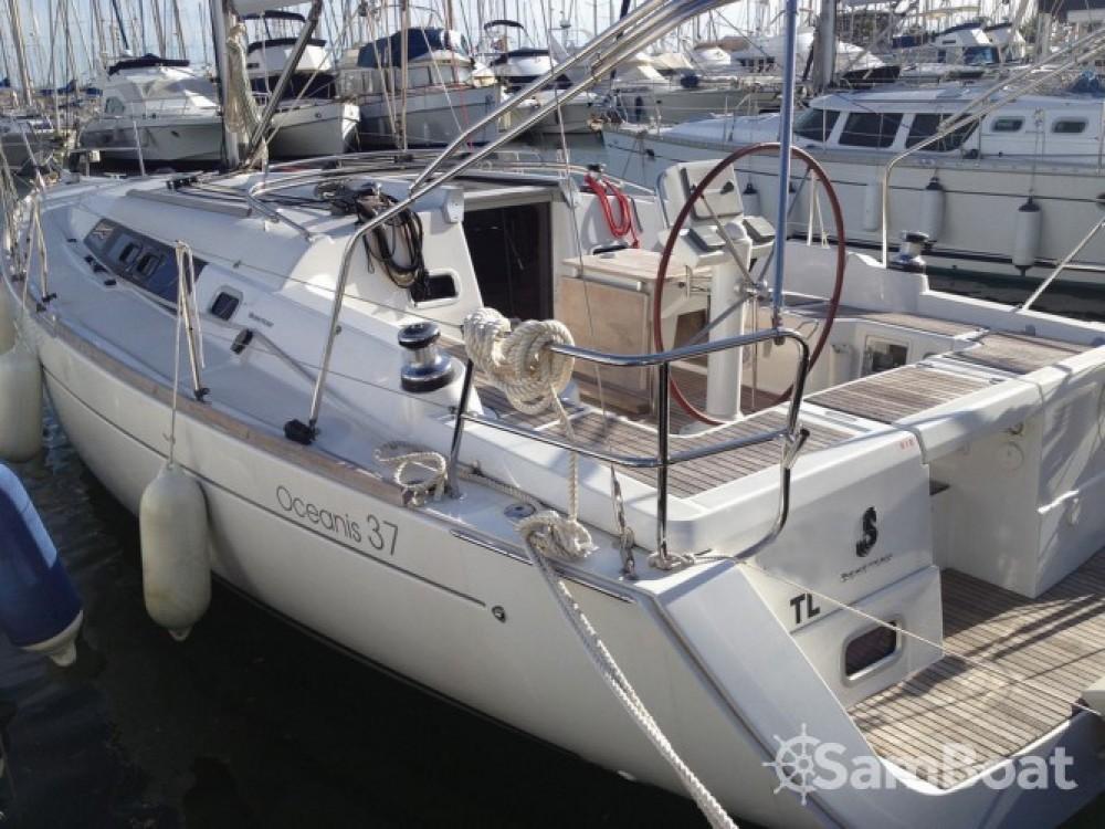 Alquiler de yate Tolón - Bénéteau Oceanis 37 en SamBoat