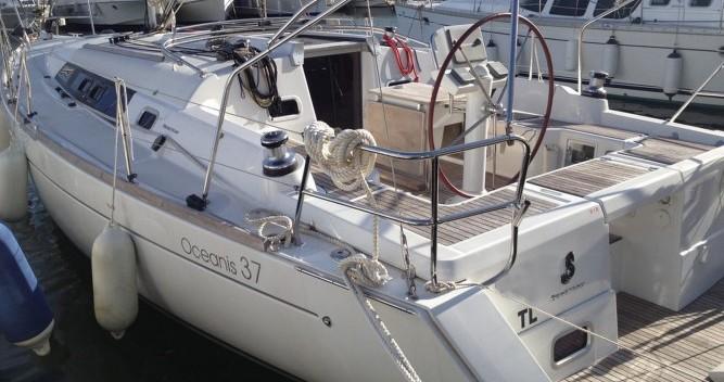Bénéteau Oceanis 37 entre particulares y profesional Toulon