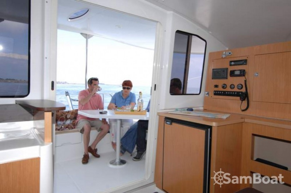 Fountaine Pajot Mahe 36 Evolution entre particulares y profesional Martinica