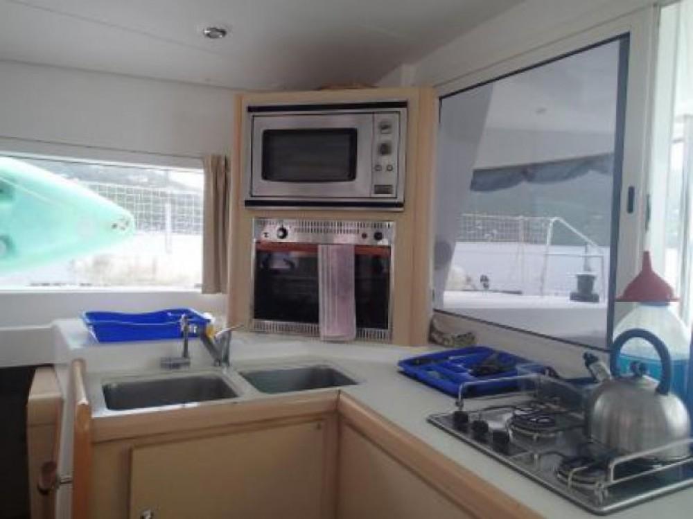 Alquiler de barcos Le Marin barato de Lagoon 400