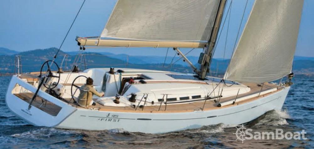 Alquiler de barcos La Grande-Motte barato de First 45