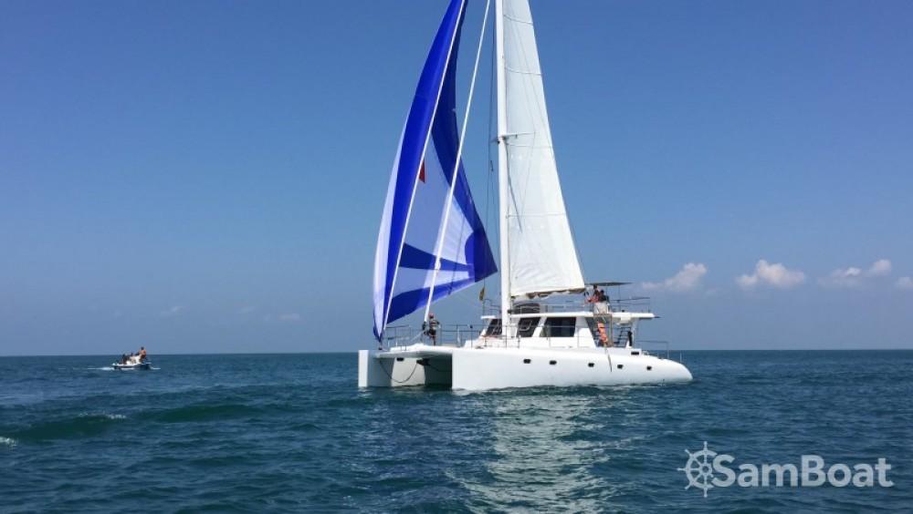 Alquiler de Catamarán, con o sin patrón Catamaran-Jade Galle