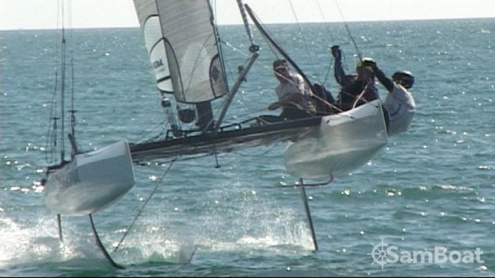 Alquiler Catamarán Nacra con título de navegación