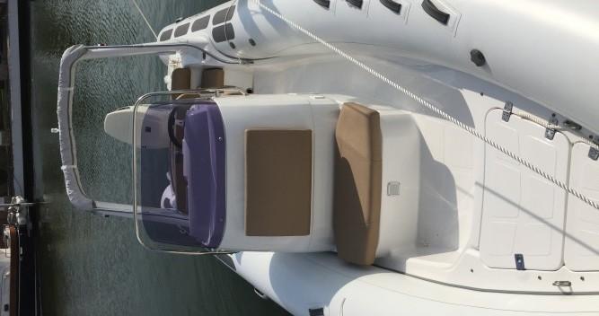Alquiler Neumática Brig con título de navegación