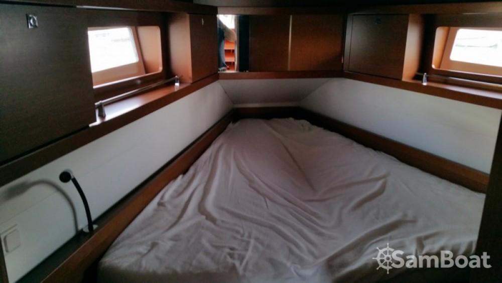 Alquiler de barcos Bénéteau Oceanis 41 enTolón en Samboat