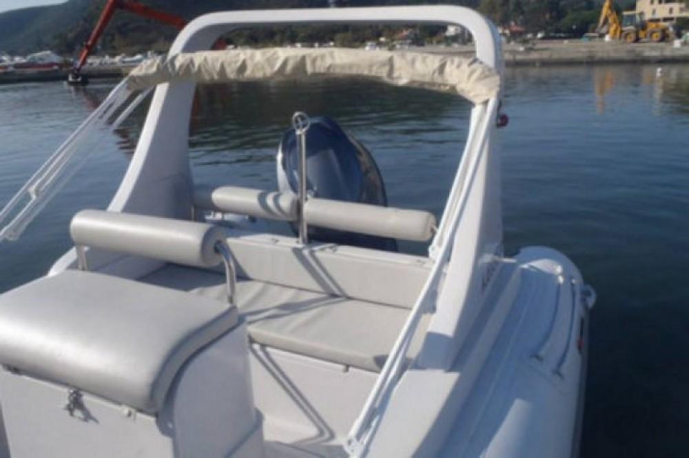 Alquiler de barcos Saint-Florent barato de Family 580