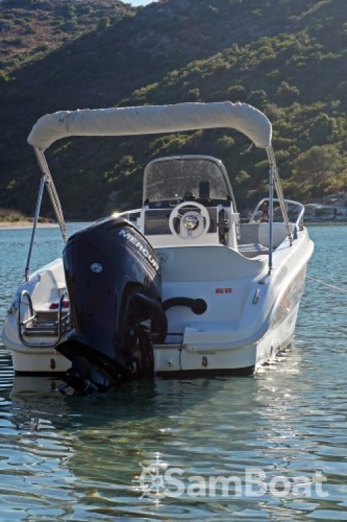 Alquiler de barcos Salmeri Syros 190 enSaint-Florent en Samboat