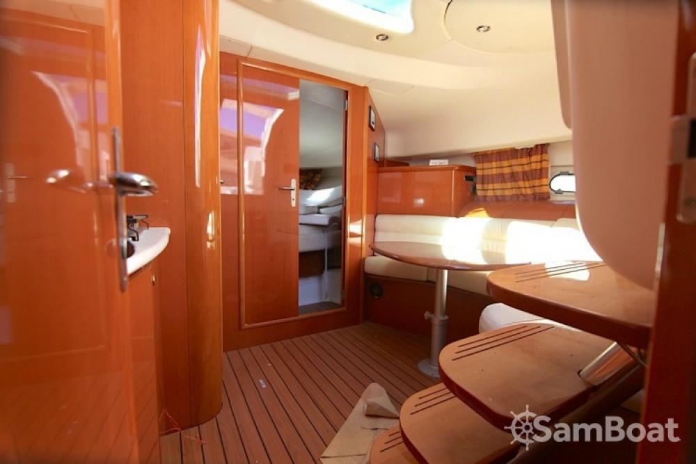 Alquiler de barcos Jeanneau Prestige 34 enHyères en Samboat