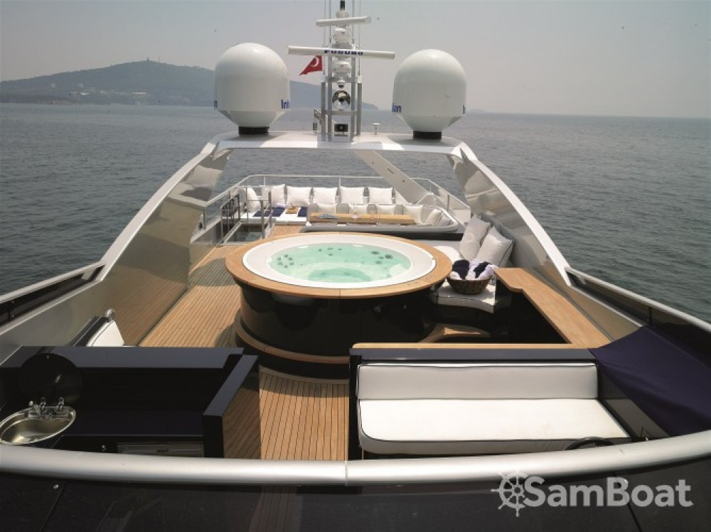 Alquiler de barcos Cannes barato de Luxury Yachting