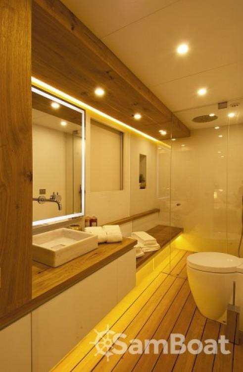Alquiler de H-Luxury-Yachting Luxury Yachting en Cannes