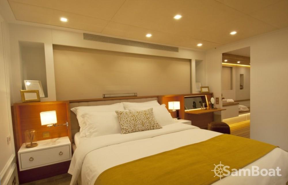 Alquiler Yate H-Luxury-Yachting con título de navegación