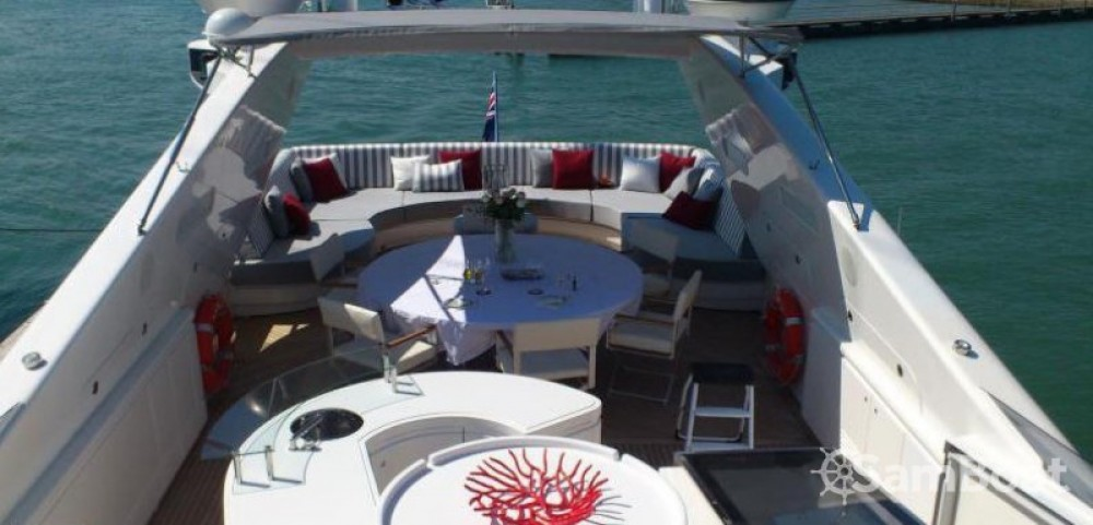 Alquiler Yate International-Shipyard con título de navegación