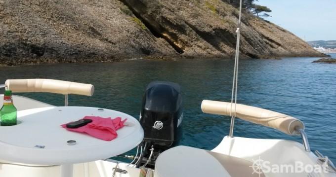 Alquiler de barcos La Ciotat barato de Activ 470 Cabin