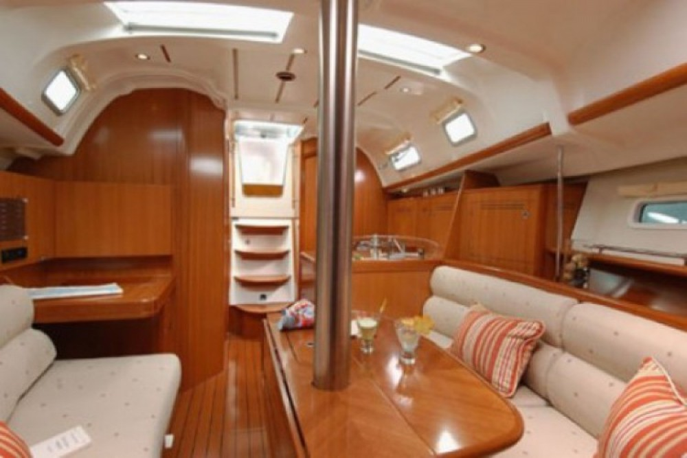 Bénéteau Oceanis 323 Clipper entre particulares y profesional Arzon