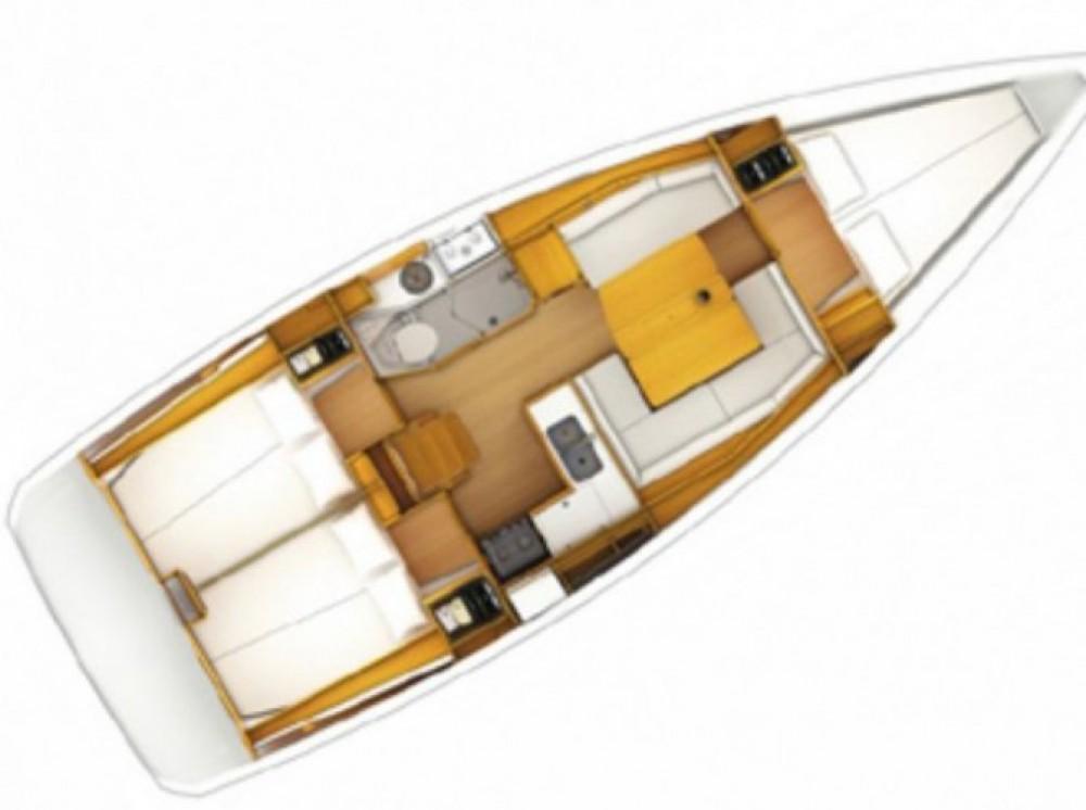 Alquiler de barcos Jeanneau Sun Odyssey 379 Dl enArzon en Samboat