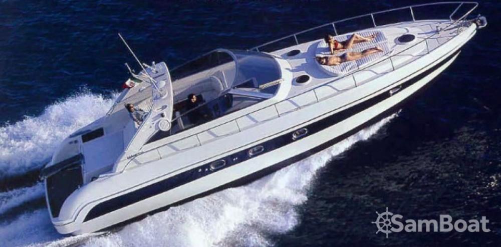 Alquiler de Gianetti 45 Sport en Niza