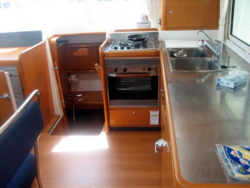 Alquiler de barcos Kaštel Gomilica barato de Lagoon 440