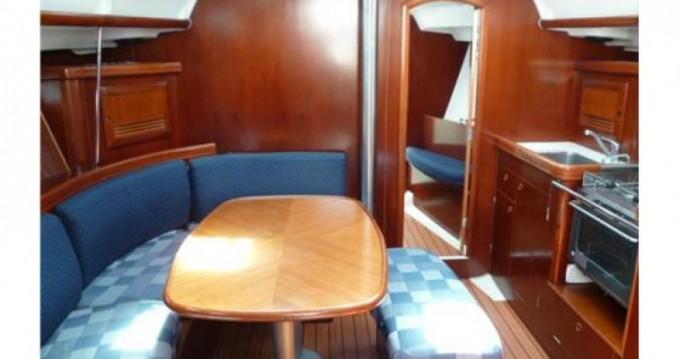 Alquiler de barcos Oceanis 393 enArzon en Samboat