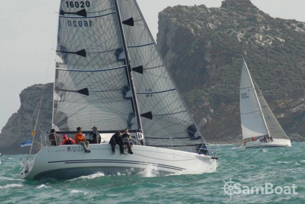Alquiler de barcos Palamós barato de First 34.7