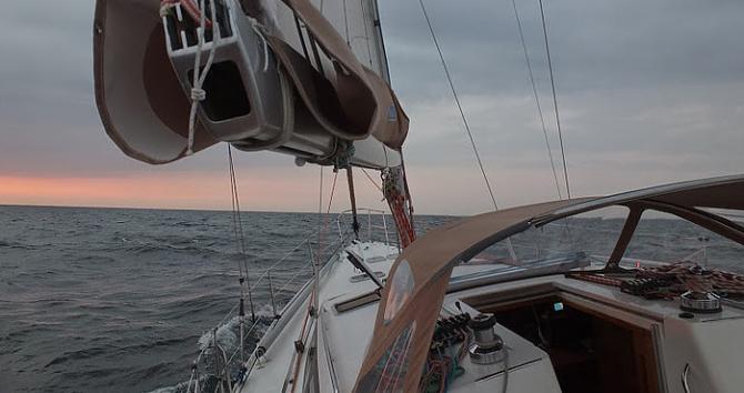 Alquiler Velero Allures con título de navegación
