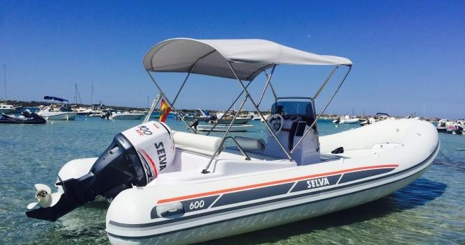 Alquiler de yate Ibiza (Ciudad) - Selva DS Evolution en SamBoat