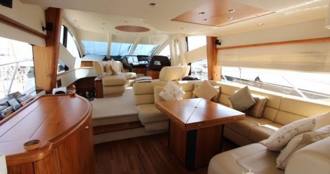 Alquiler Yate Sunseeker con título de navegación
