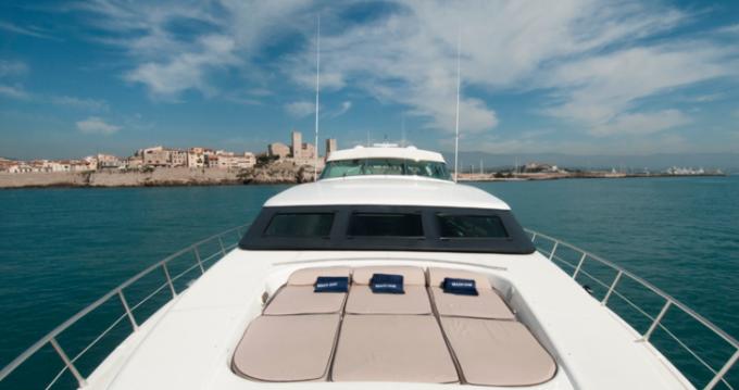 Alquiler de barcos Mangusta 32 enSaint-Tropez en Samboat
