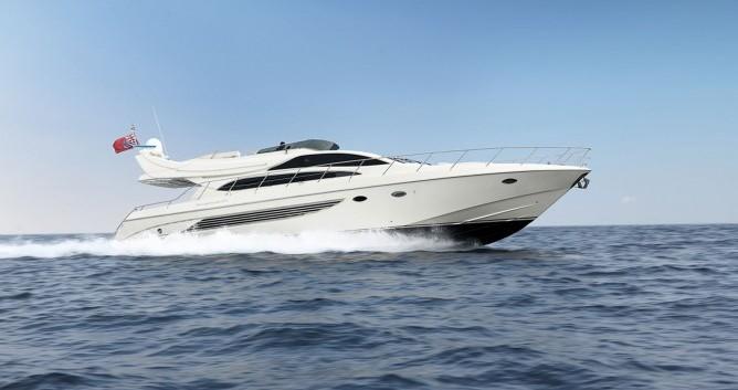 Riva yacht entre particulares y profesional Atenas
