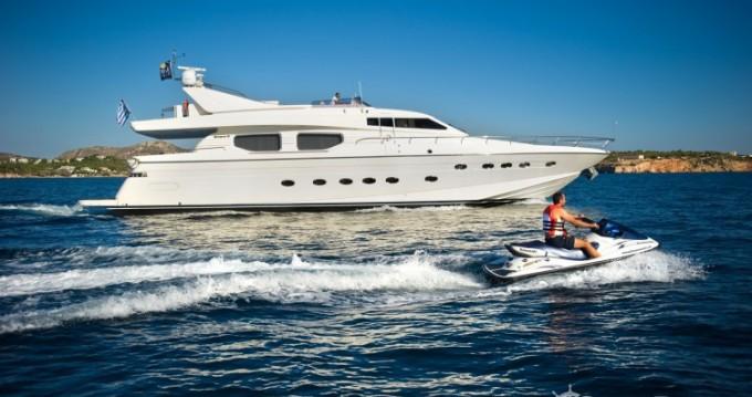 Alquiler Yate Posillipo con título de navegación