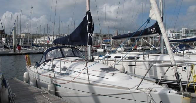 Alquiler de Bénéteau First 31.7 en Brest