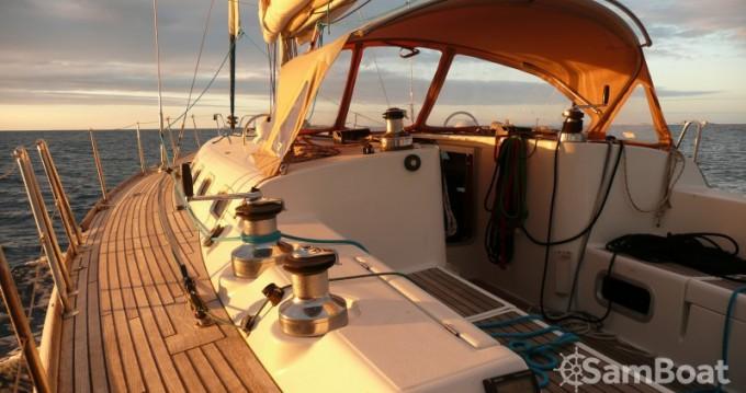 Alquiler de barcos Saint-Jean-Cap-Ferrat barato de First 47.7