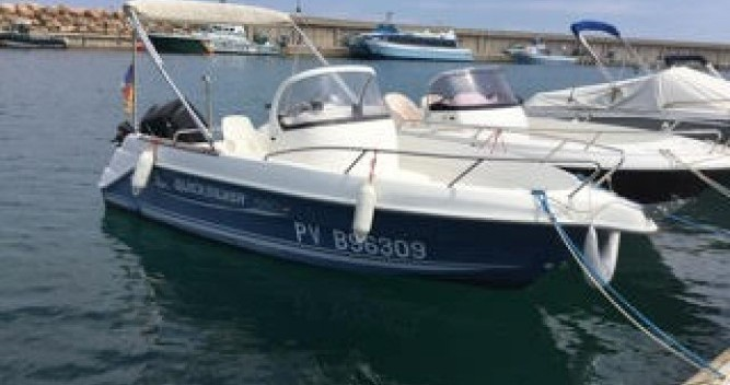 Alquiler de barcos Quicksilver Quicksilver 550 Commander enl'Escala en Samboat