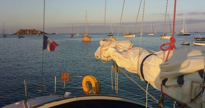 Alquiler de barcos Port du Crouesty barato de Gin Fizz gréé en sloop