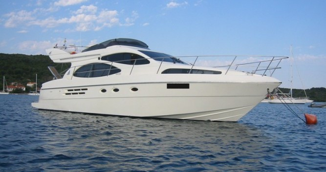 Alquiler de barcos Azimut Azimut 46 enPorto San Giorgio en Samboat