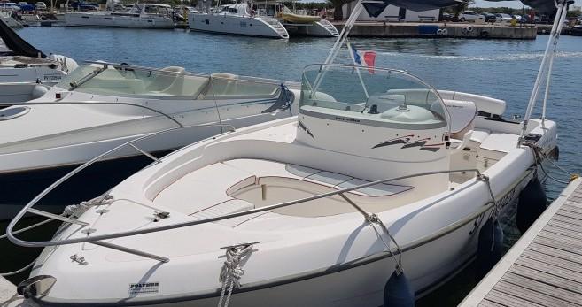 Alquiler de barcos Saint-Cyprien barato de Cap Ferret 650 Open Swing