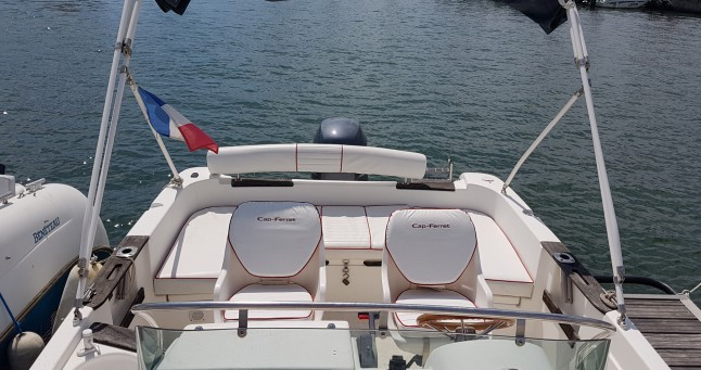 Alquiler de yate Saint-Cyprien - B2 Marine Cap Ferret 650 Open Swing en SamBoat