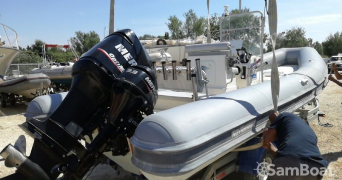 Alquiler de barcos Novamarine Novamarine RH700 enSan Foca en Samboat