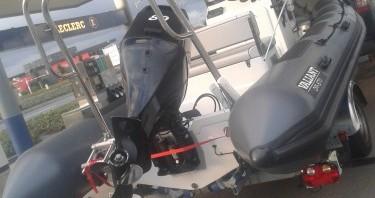 Alquiler de barcos Céaux barato de Valiant 570 DR