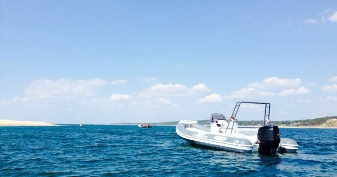 Alquiler de yate Lège-Cap-Ferret - Nautica Led LED 680 en SamBoat