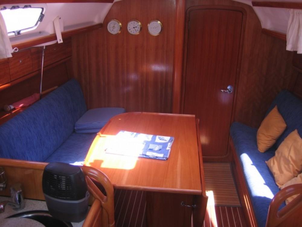 Alquiler de Bavaria Bavaria 30 Cruiser en La Rochelle
